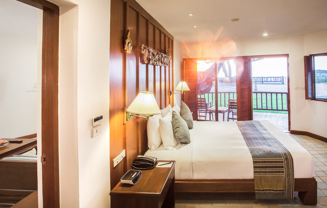 Anavana suite beachfront huahin chaam