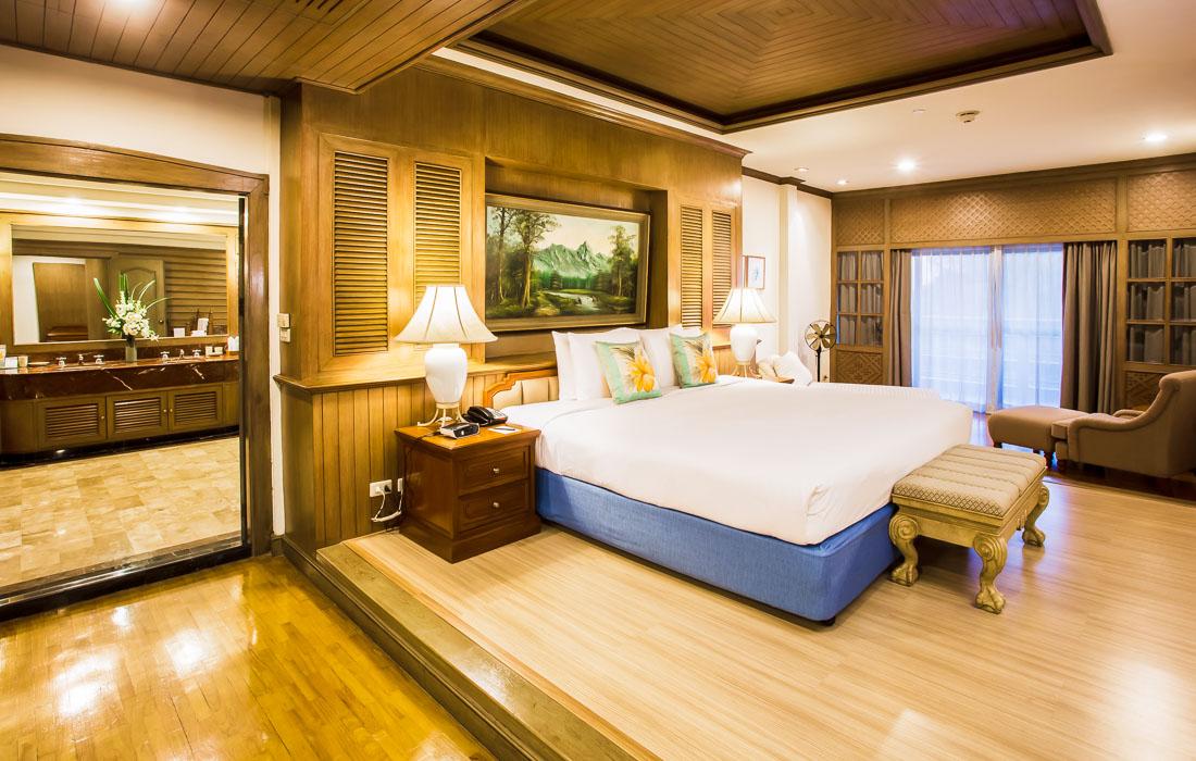 Royal regency suite huahinchaamthailand